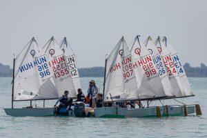 A Balatonfüredi Yacht Club VITORLÁS EDZŐKET keres egy- és kétszemélyes hajóosztályok csapatának vezetésére